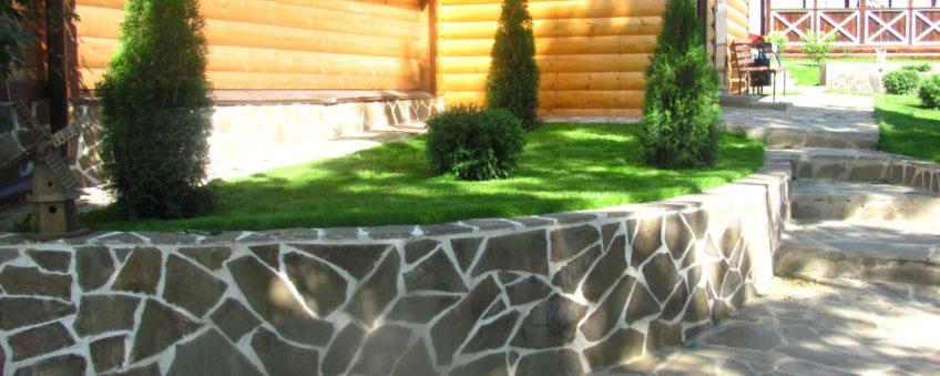 ландшафтный дизайн эконом класса: мощение дорожек, высадка деревьев
