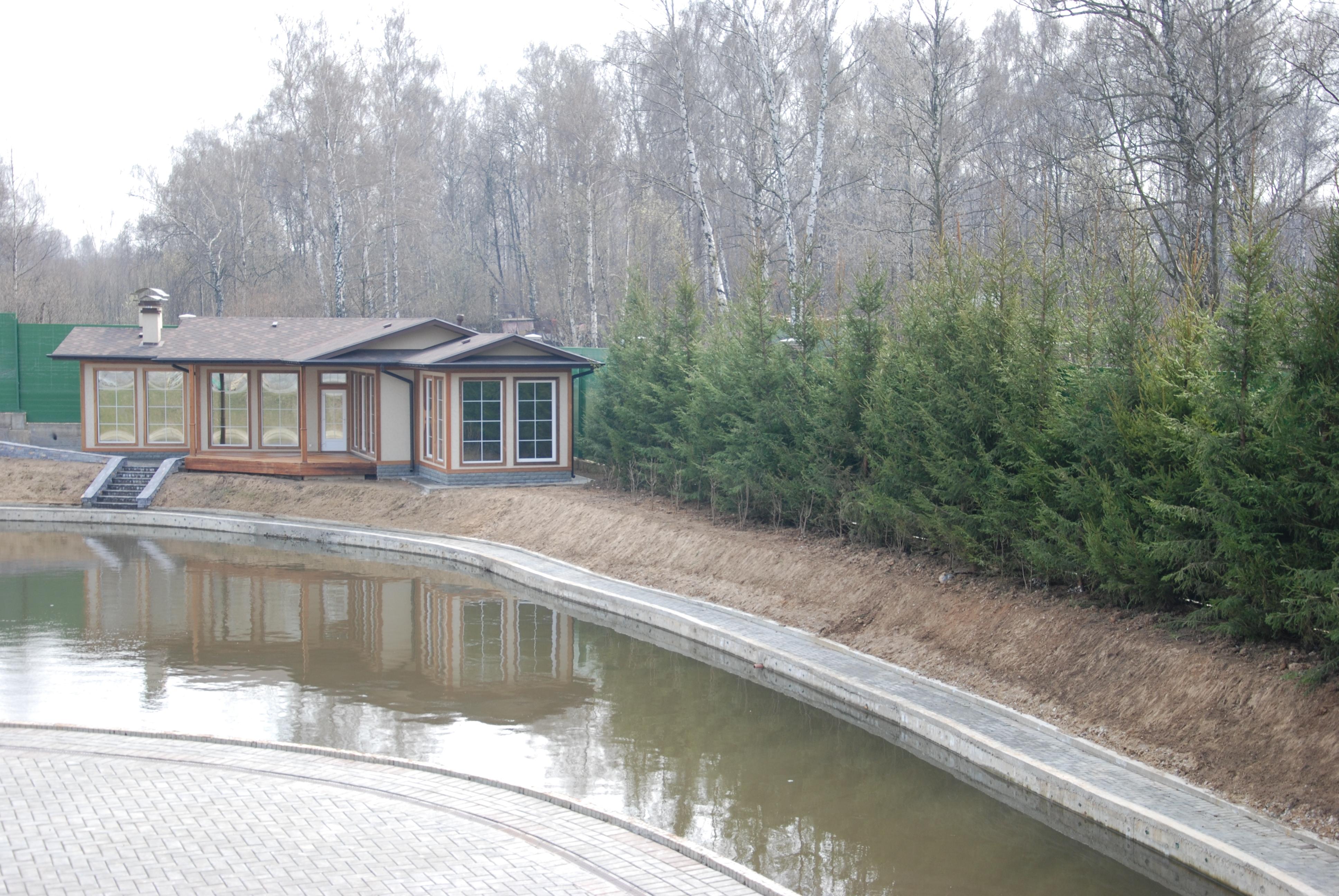 устройство пруда на участке от компании Русский парк russian-park.ru