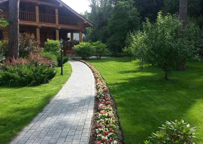 ландшафтный дизайн загородного дома: дорожки